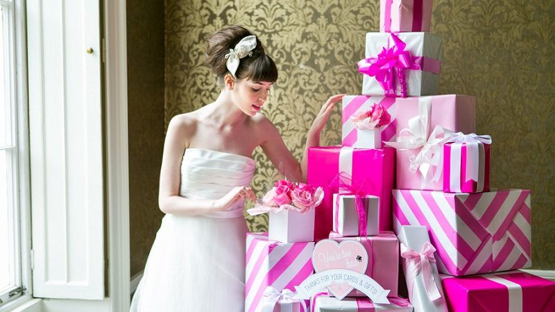 How to locate the right Wedding Gift For any Bride And Groom – Things to Buy and just what to prevent