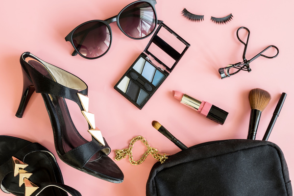 Pep Your Wardrobe with the proper Women Accessories