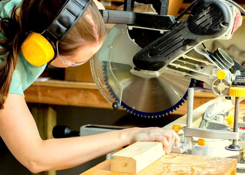 Remember these Tips when Buying a Miter Saw